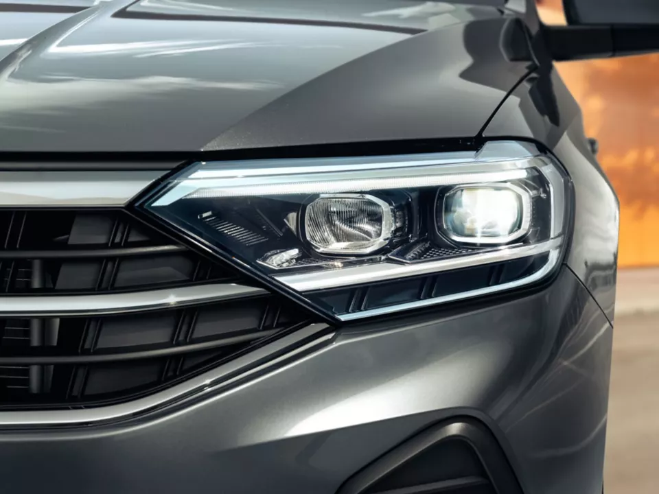 vw_polo_new_008.png